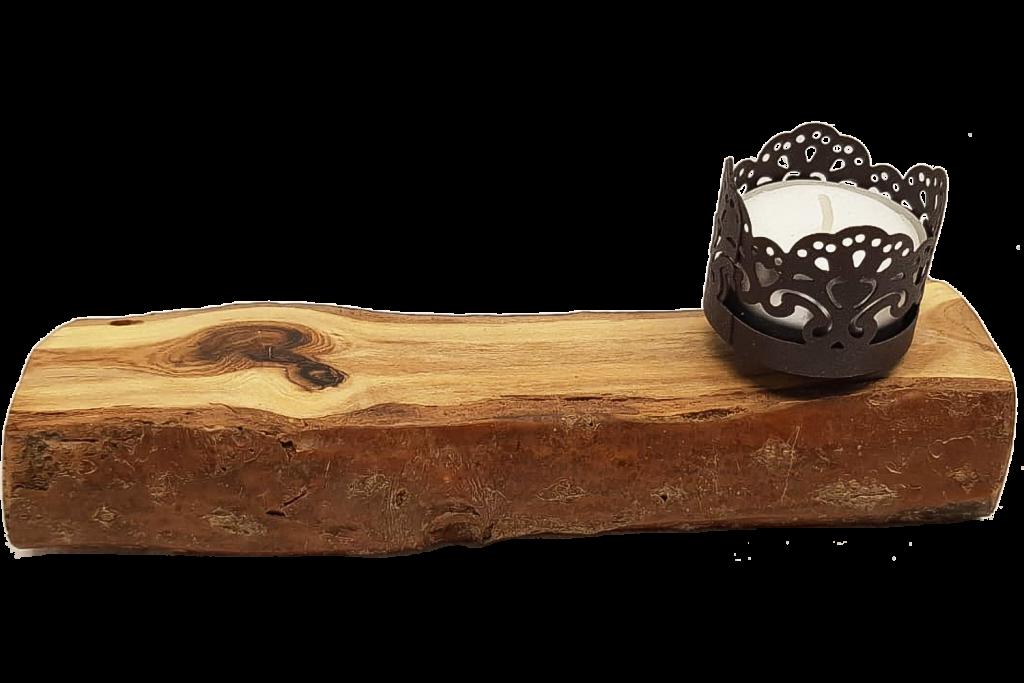 Holzbalken mit Metall-Teelicht